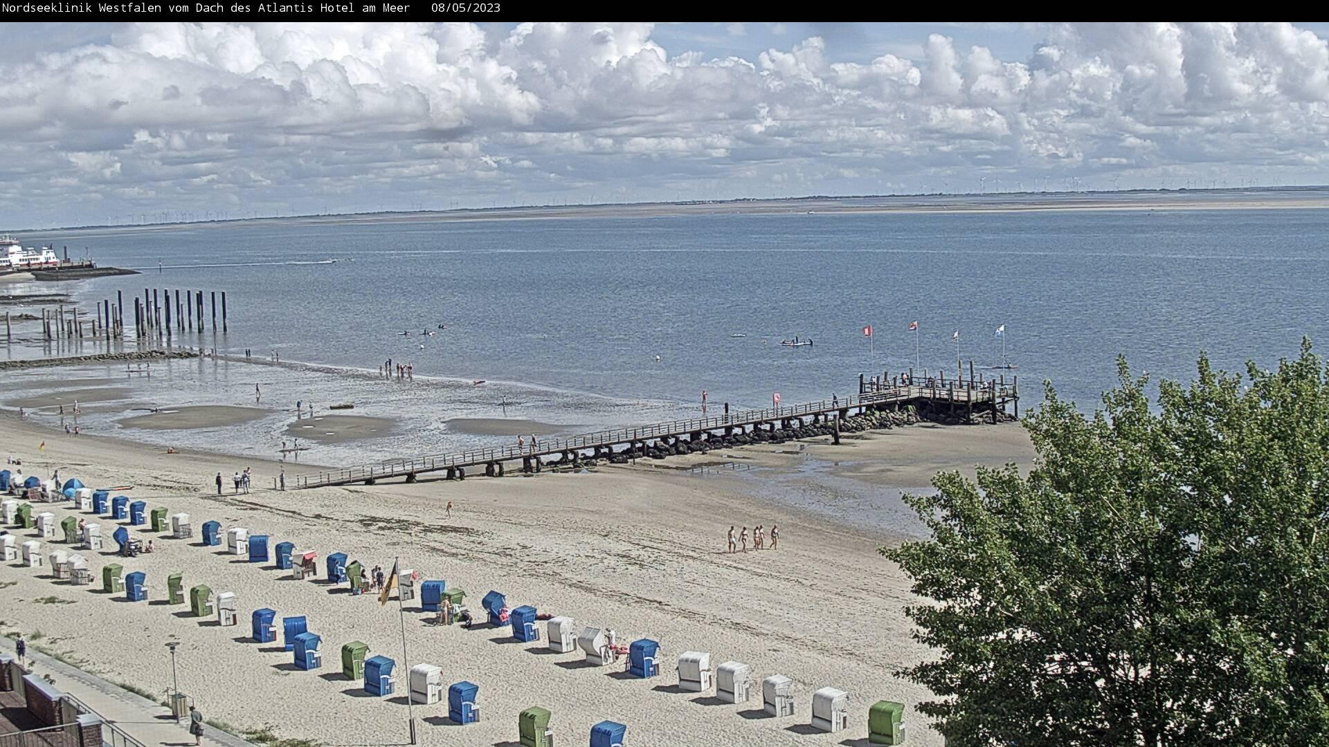 normal 600 und 400 Die Webcam zeigt den Blick auf den Wyker Strand vom Dach des Atlantis Hotels